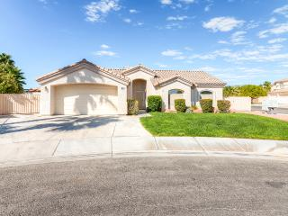 Beautiful 3BR House in a Safe & Quiet Neighborhood - Only 2 Blocks off the Las Vegas Strip!