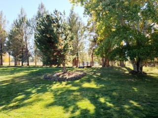 'Cricketwood Guest House' 2BR Central Oregon Country Home on 5 Private Acres