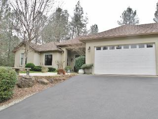 Serene 2BR Redding Home w/Private Pool, Hot Tub & Ballet Room - A Tranquil Retreat Near Hiking Trails, the Sacramento River & More!