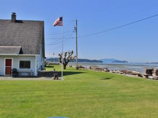 Scenic 2BR Waterfront Home in Bow w/Wifi & Private Boat Launch  - Situated on Samish Island, Near Outdoor Activities & Restaurants! Accessible by Car!