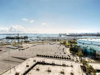 2BR Long Beach Apartment