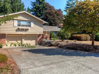 Relaxing 3BR Fircrest Home w/Fireplace & Large Backyard - Near Shopping, Dining