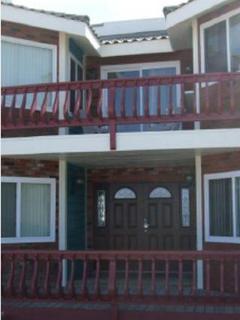 Front door deck and barbecue balcony