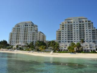 Affordable Elegance in Luxurious Beach Front Condo, Montego Bay
