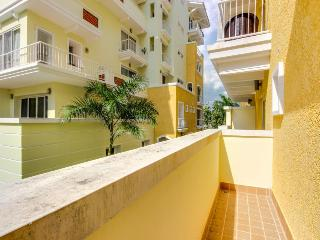 Pet-friendly resort suite w/free golf, pool, parking, Panama City