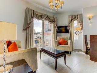 Free golf, pool, amenities at this pet-friendly resort condo, Ciudad de Panamá
