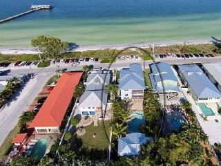 599/night JAN & FEB  8 bed 6 bath HEATED pool spa, Anna Maria