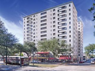 Wyndham New Orleans Avenue Plaza