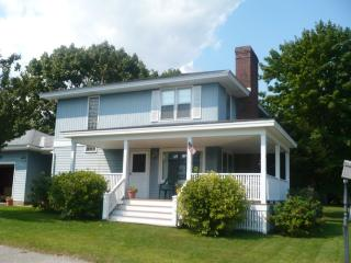 Home with Ocean Views - Walk to Sandy Beach, Biddeford