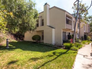 Bright & Spacious 3BR Orange Condo w/Wifi, Fireplace & Swimming Pool Access - Only 11 Miles from Disneyland & 16 Miles from Newport Beach!