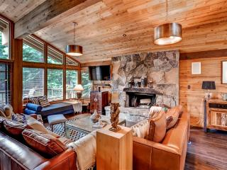 Expansive 4BR Truckee Cabin in Northstar w/Wifi, Resort Amenities & Free
