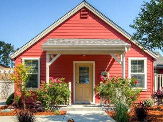 Serene Bungalow-Style Home in Point Reyes Station!