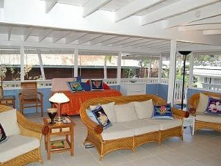 Large Family Room  has three single beds, game / computer  WIFI  table ,TV area