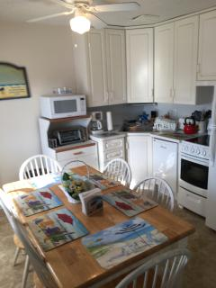 FULL KITCHEN, Dishwasher,Oven,Microwave,Coffee maker. Toaster oven, pots & pans