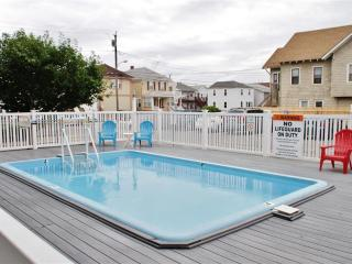Seaside Heights Condo w/Pool Access, Walk to Beach