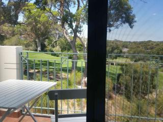 MAGICAL JOONDALUP GOLF COURSE RETREAT, Connolly