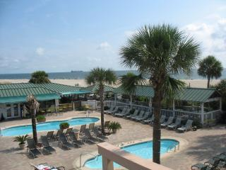 3 Pools, Newer Condo, Hot Tub, Oceanfront Complex, Tybee Island