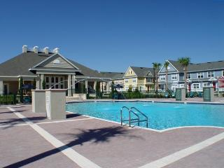 *NEW - Afforable Townhome - 5 Miles from Disney*, Kissimmee