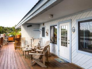 Charming 2BR Cedar Key Duplex Home w/Wifi & Dock - Prime Waterfront Location, Less than 1 Mile from Entertainment, Shops & Restaurants!