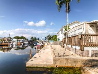 Perfectly Located 2BR Key Largo Home w/Private 60-Ft Dock & Boat Ramp on Wide Canal - Instant Bay Access!