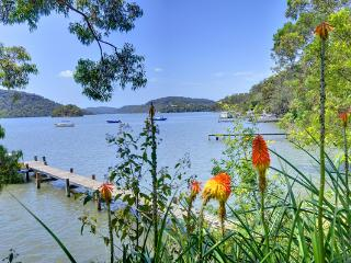 Above The Hawkesbury Riverview Cottage