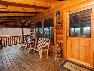 'Bear Down' Sevierville 4BR Upscale Cabin!