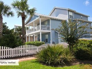 Huge Beach House up to 22 guests- private pool, Destin