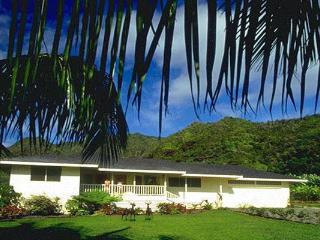 Hale O' Wailele ~ Private Waterfall Pool, Jacuzzi, 7th NIGHT FREE