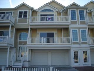Ocean Haven Condo, Beach Block. 2 blocks from attractions