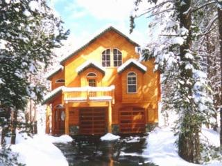 Beautiful Mountain Vacation Home, Sleeps up to 18, Truckee