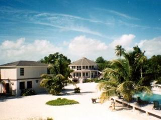 Direct-Beachfront Resort on Ambergris Caye, San Pedro