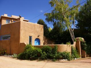 Casa Establo - Eastside Historic Adobe Home, Santa Fé