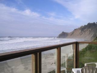 Amazing 180 Degree Oceanfront View, Lincoln City