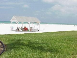 Siesta Key 1 & 2BR Beach Apts & Villas, Sarasota
