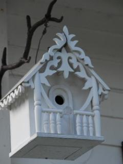 Birds get Cottage Decor, too