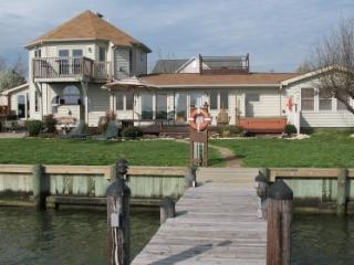 Chesapeake Bay Waterfront Vacation Home, 5 Star, Grasonville