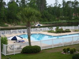 Myrtle Beach Clean Condo w/Pools near Beach & Golf