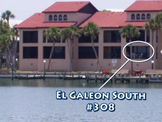 Bayfront Island Condo - Docks, Beach,  Pool, Wifi, Englewood