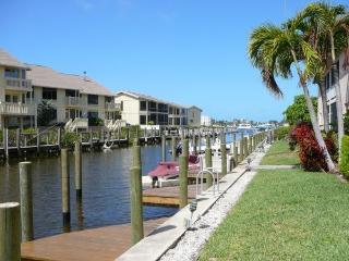 Perfect location, free membership  Walker's Marina