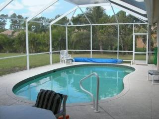 Luxury Villa with heated pool, near beach, Naples