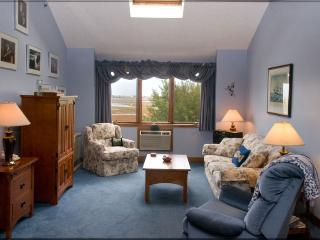 Wells Vacation Condo Suite w/views