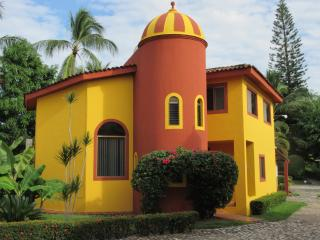 BUCERIAS 3BR GOLF VACATION RENTAL, Flamingos