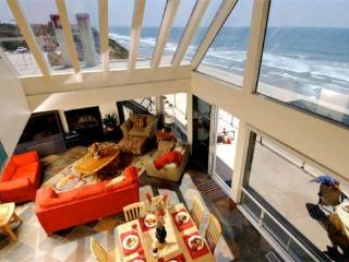 Premier Oceanfront Home with Rooftop Deck - E259-0, Encinitas