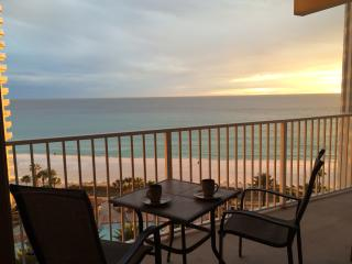 1014: Luxury Beachfront Condo W/Parking, Panama City Beach