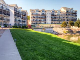 Pleasant 3BR Camdenton Condo w/Wifi, Gas Grill & Community Pool Access - Prime Lakefront Location, Near Golf, Shopping & More!