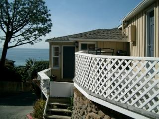 Lovely Cottage Steps to Victoria Beach, Laguna Beach