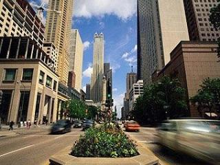 A 5 Min Walk to Mag Mile - Shops, Restaurants, Nightlife, Views, and More!