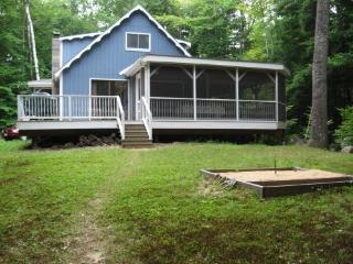 LONG LAKE CAMP Maine Naples -Waterfront,Cable,W/D, Bridgton