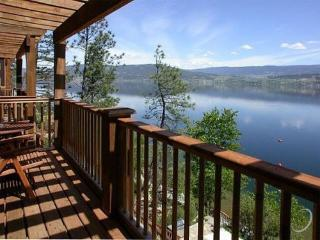 Lakefront Cottage on Okanagan Lake with boat dock