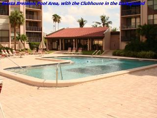 Sun, Sand & *Save 20% to 35%* Siesta Breakers #603 in Siesta Key, FL